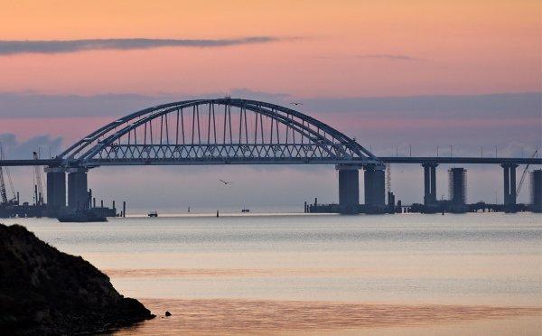 Google демонстративно подписал Крымский мост на украинском языке